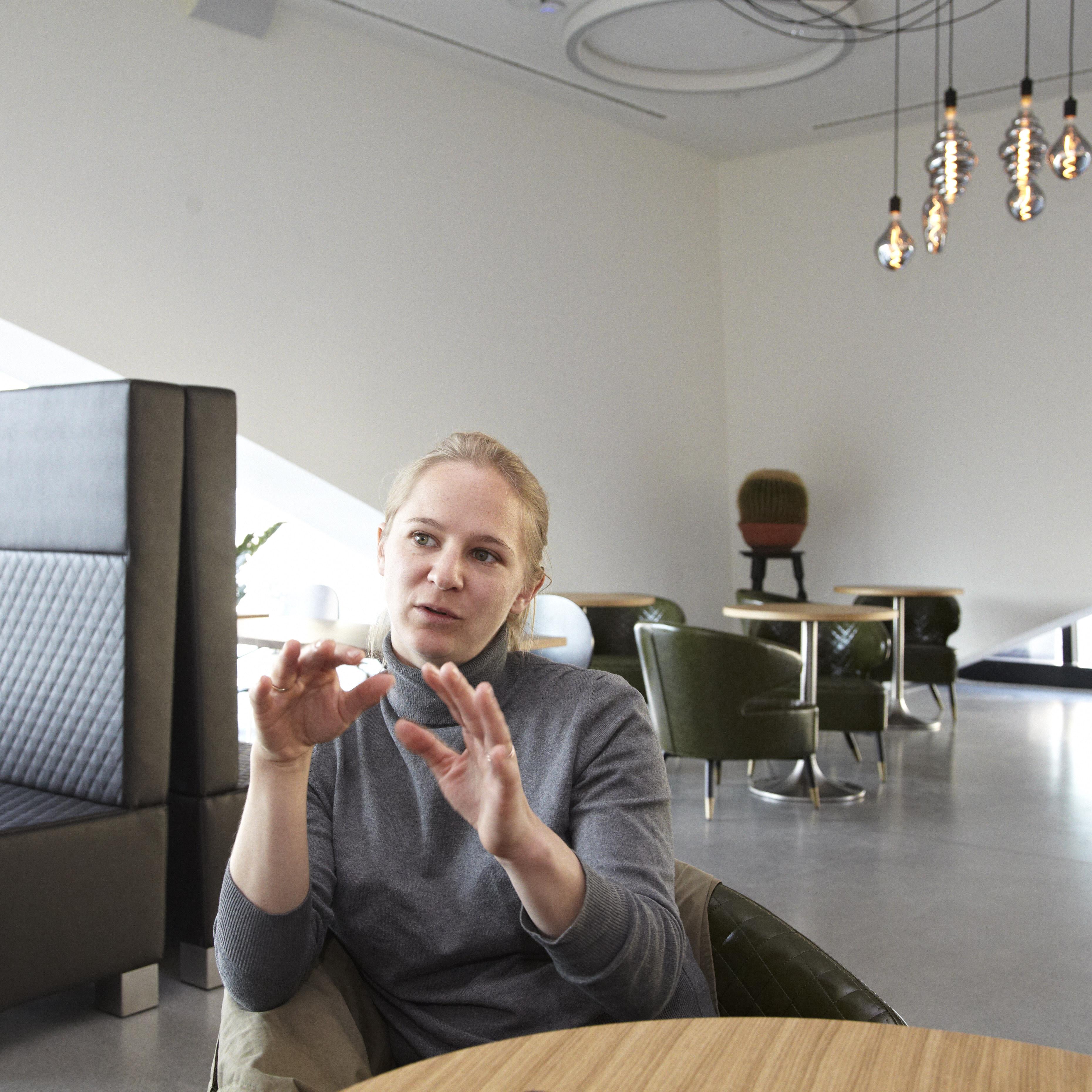 Lisa Saahs, Kunstvermittlerin